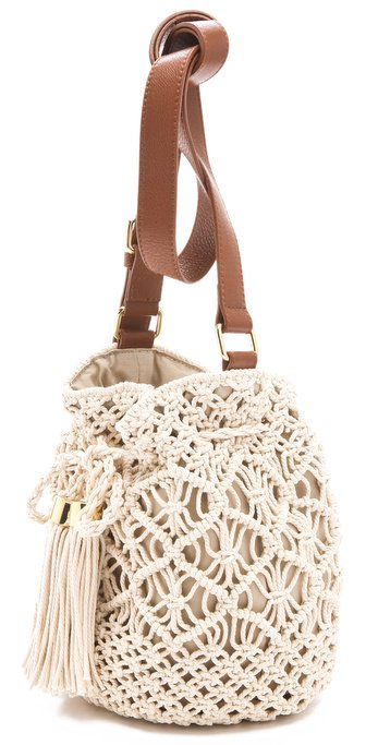 Crochet Bucket Bag : Jennifer Lawrence Takes On Summer With A Tory Burch Crochet Bucket Bag