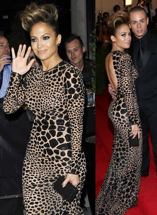 Jennifer looked every bit a diva in her patterned Michael Kors gown