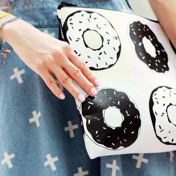 mochaccinoland donut clutch 2