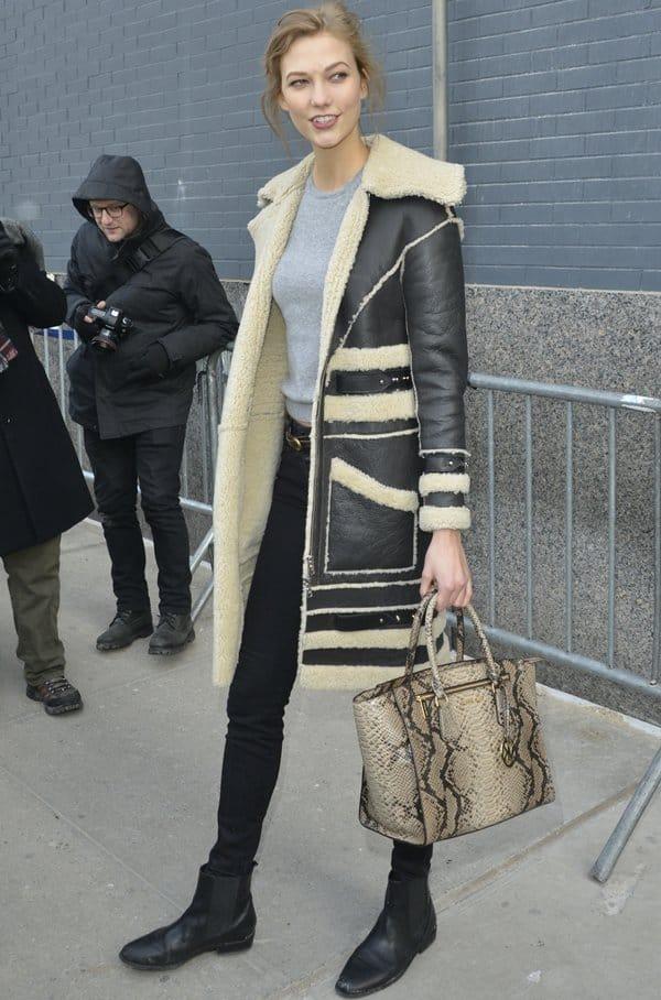 NYFW Bags Karlie Kloss