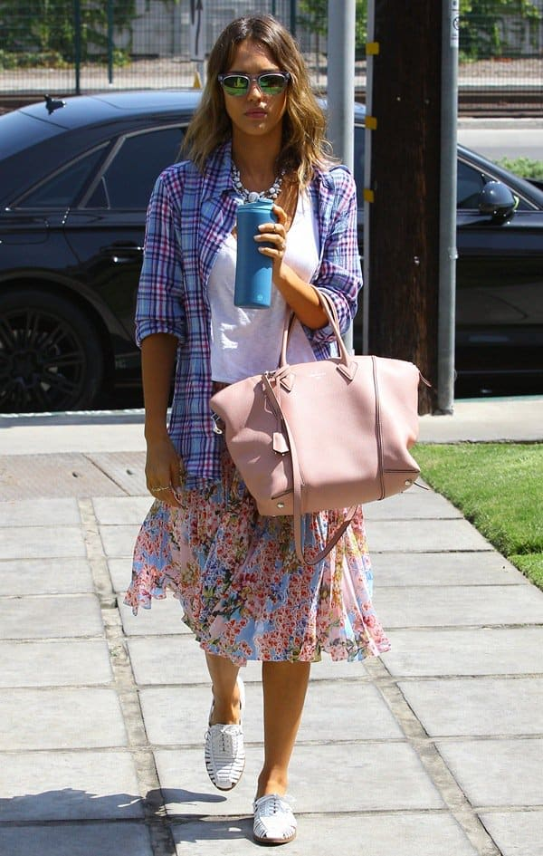 Jessica Alba heading to a meeting in Culver City, California, on June 5, 2014
