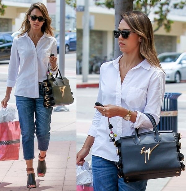 Rocking dark blue jeans and a crisp white shirt, Jessica was simple but gorgeous width=