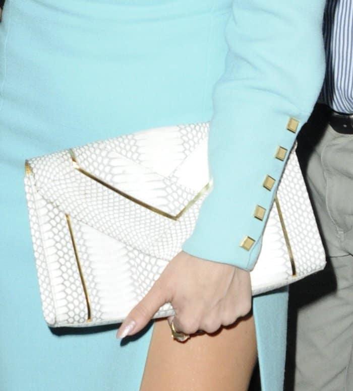 Jennifer Lopez Vince Clutch3