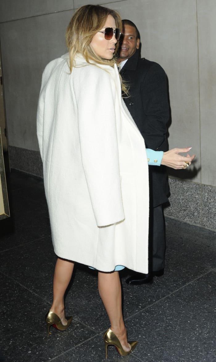 Jennifer Lopez Vince Clutch4