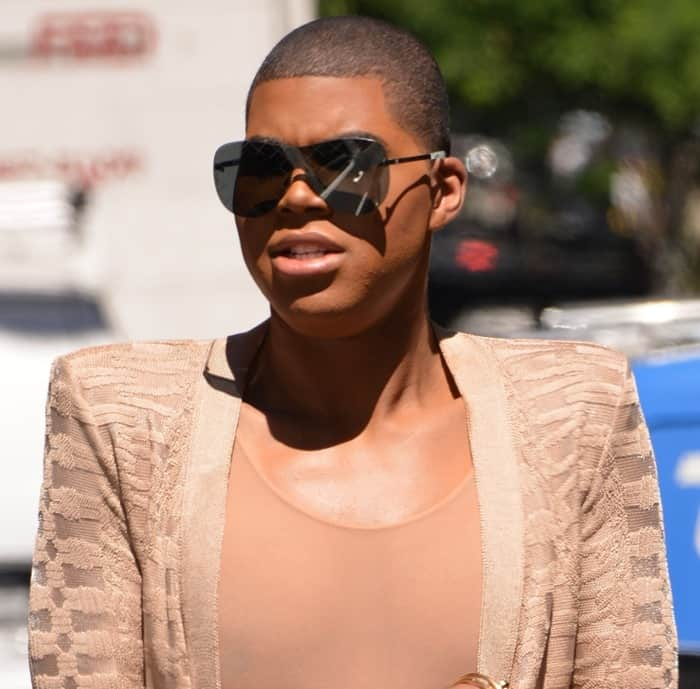 "3ca460f7e7e EJ Johnson shooting his new reality show ""EJNYC"" in Soho, Manhattan on June  15, 2016. EJ Johnson carrying a fiery red Hermes Crocodile Birkin ..."