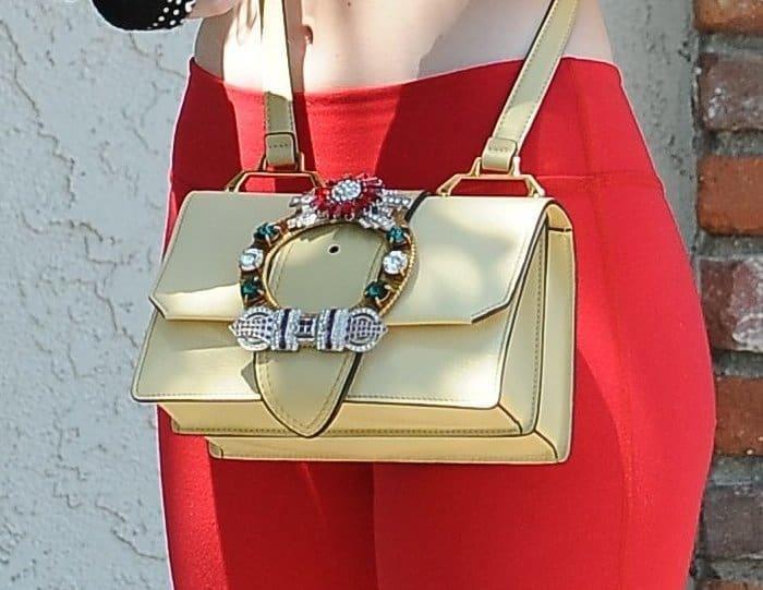 Elle Fanning Crossbody Bag4