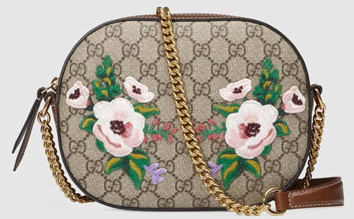 This Gucci Garden The Souvenir Collection Shoulder Bag has a lovely chain strap and gorgeous flower embroidery.
