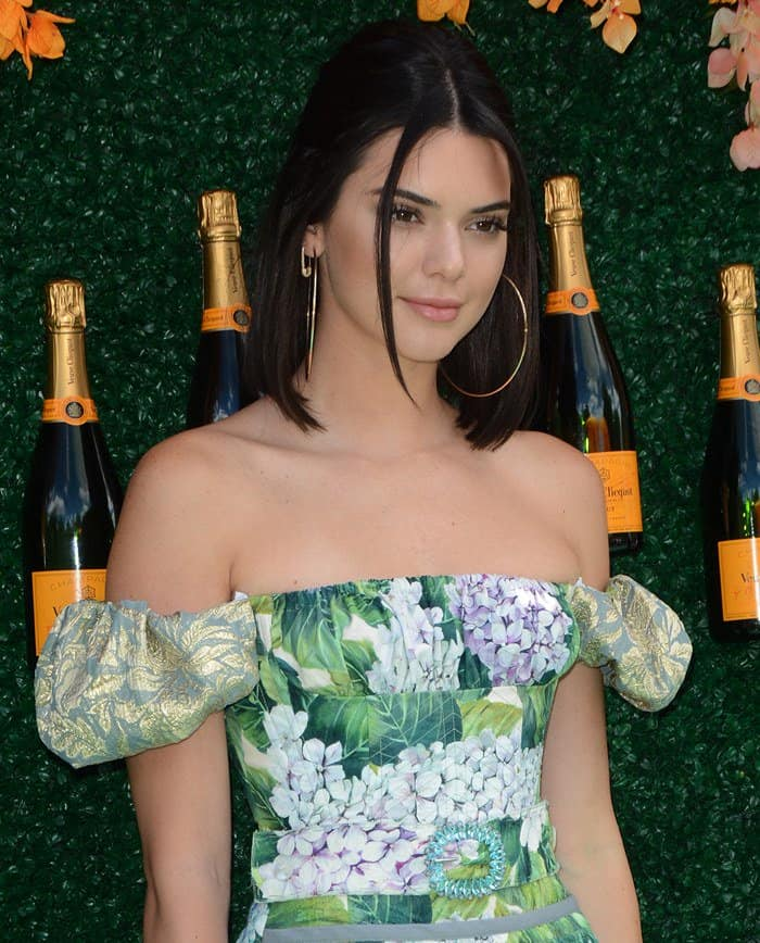 Kendall's pretty off-the-shoulder hydrangea-print frock is from Dolce & Gabbana's Ortensia collection