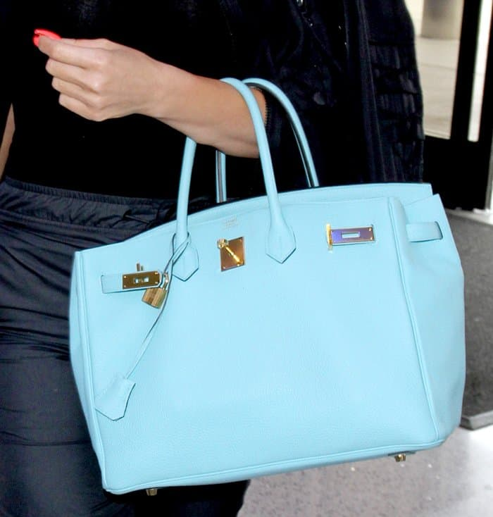 5 Alternatives To Khloe Kardashian S Blue Saint Cyr Hermes