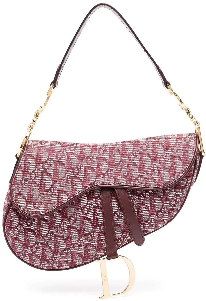 This Trotter Saddle shoulder bag from Christian Dior will imprint its elegance on your look